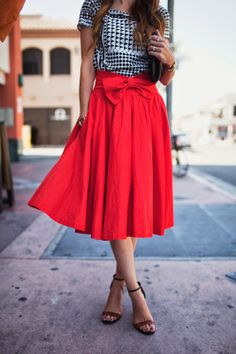 skirt chic Leanne Barlow Red Front Waist Bow Pleated Mid Calf Skirt - I always loved a red . Leanne Barlow Red Front Waist Bow Pleated Mid Calf Skirt - I always loved a red skirt! Preppy Mode, Preppy Style, My Style, Modest Fashion, Love Fashion, Womens Fashion, Winter Fashion, Classy Outfits, Cute Outfits