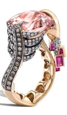 Leyla Abdollahi  ...   INCREDIBLE. I LUV THIS RING !!!!!!