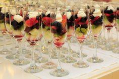021Taças de saladas de frutas