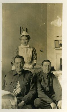 Nurse and wounded soldiers at Lotherton Hall, Aberford. The house was converted into a hospital during WWII. © Leeds Museums and Galleries