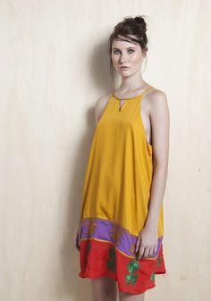 Vestido viscose bordado indiano barra abertura costas - Curtos - Vestidos