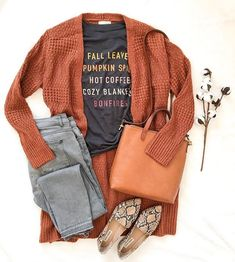 OOTD OCT 18 2019 Today's OOTD is this darling Fall 🍁 graphic tee, long rust cardigan, gray jeans, snake pattern flats and cognac crossbo. Classy Outfits, Casual Outfits, Cute Outfits, Fashion Outfits, Womens Fashion, Casual Dressy, Unique Fashion, Fashion Ideas, Fashion Tips
