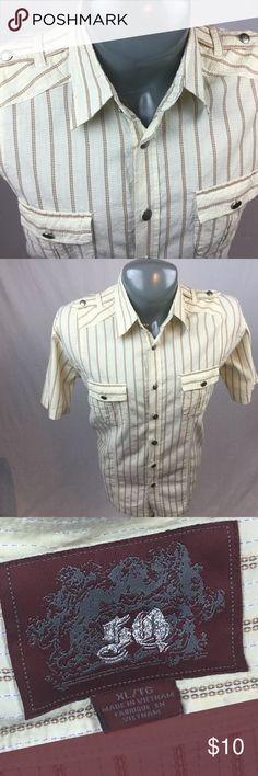 Men's casual button down shirt.XL Men's two pocket casual button down shirt. XL/TG in excellent condition. 5Q Shirts Casual Button Down Shirts