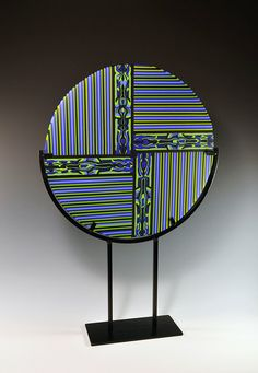 Work with pattern bars and strips of glass.