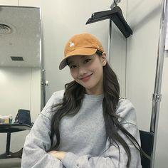 Kpop Girl Groups, Korean Girl Groups, Kpop Girls, April Kpop, Asian Wife, Uzzlang Girl, Bae Suzy, Celebs, Celebrities