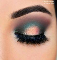 Maquillaje Teal Eye Makeup, Teal Eyeshadow, Shark Makeup, Subtle Eye Makeup, Turquoise Makeup, Iridescent Eyeshadow, Turquoise Eyes, Glam Makeup, Beauty Makeup