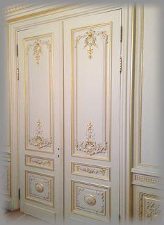 Lesser Seen Options for Custom Wood Interior Doors External Front Doors, External Wooden Doors, Door Gate Design, Classic Ceiling, Classic Doors, Indoor Doors, Wall Molding, Classic Interior, Windows And Doors