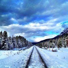 Mountain escape! beautiful castle mountain railroad alberta, canada
