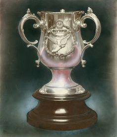 Spaulding Point Trophy from the 1904 Olympics. ©Missouri History Museum
