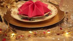 rosa servietten falten anleitung stern in kombination mit kleinen verzierungen verleiht dem tisch einen ausgefallenen look