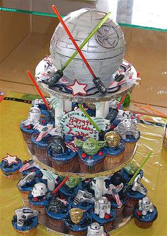 Custom STAR WARS cupcakes with sculpted Death Star top tier cake, made for Lane's birthday party. As seen on the Great White Snark, Cupcakes Take the Cake, Miss Theda, etc. Star Wars Party, Star Wars Birthday Cake, Cupcake Birthday Cake, Cupcake Cakes, Cupcake Ideas, Cup Cakes, Star Wars Cookies, Star Wars Cupcakes, Star Wars Cake