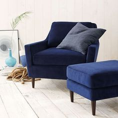 navy blue chair and ottoman in cottage style interior, dark blue, cobalt blue, indigo blue, royal blue, navy blue, pantone navy peony