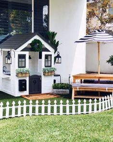 Backyard Playhouse, Backyard Playground, Playhouse Decor, Playhouse Ideas, Backyard Games, Kids Outdoor Play, Backyard For Kids, Outdoor Games, Kids Cubby Houses