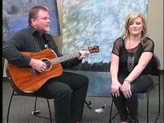 Me'schell and Ron Rigsby perform at the Williamson County Public Library