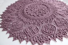 Crochet Mandela Crochet string rug Patterns with Video. ↦ Crochet string rug - Learn how to make amazing model. These beautiful Carpet Crochet Doily Rug Pattern Ideas! I love crocheted rugs that look like giant doilies. Crochet Doily Rug, Crochet Rug Patterns, Crochet Carpet, Crochet Mandala Pattern, Crochet Tablecloth, Doily Patterns, Bead Crochet, Crochet Crafts, Crochet Projects