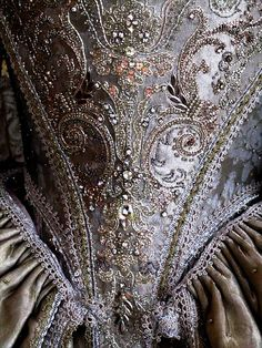 Villarceaux 17th century Dress, detail, by Olivier Henry, photo by april-mo via Flickr.