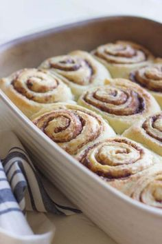 Overnight Cinnamon Rolls With Cream Cheese Frosting - make the night before and bake first thing in the morning! Plus the thickest, fluffiest cream cheese frosting you Breakfast And Brunch, Breakfast Items, Breakfast Dishes, Overnight Breakfast, Breakfast Recipes, 13 Desserts, Delicious Desserts, Dessert Recipes, Overnight Cinnamon Rolls