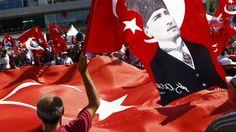 Turkse betogers : 'Geen staatsgreep, geen diktat' | De Tijd
