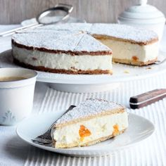 Cream Cheese Cake. A delicious German Classic. (in English and German)