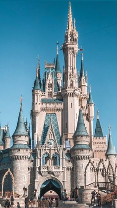 New Cellphone Wallpaper Disney Castle Ideas - Disneyland Castles Handy Wallpaper, Disney Phone Wallpaper, Cellphone Wallpaper, New Wallpaper, Disney Trips, Disney Parks, Disneyland, Disney World Pictures, Wallpaper Quotes