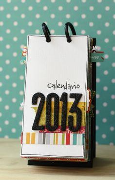 Ciao a tutte! Eccomi con un nuovo progetto, non è natalizio ma è appropiatissimo per fine anno! Un calendario! lo ho realizzato per il dt d...