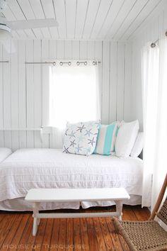 House of Turquoise: Mo's Pink Zebra Cottage - Tybee Island, GA
