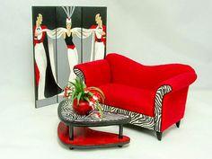 Good Sam Showcase of Miniatures: Dealer Kari Bloom, Miniton Miniatures - Upholstered Furnishings