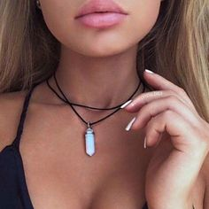 Double Layered Black Velvet Choker   $12 Visit Looking Good Products @lookinggoodprod