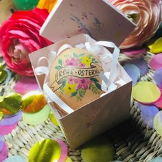 Osterei Lettering, Container, Easter, Instagram, Painting, Food, Watercolor Painting, Happy Easter, Easter Activities
