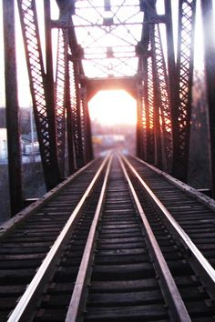 Sunset on a railroad! Bridge Wallpaper, Hd Wallpaper, Pictures Of Bridges, Cool Pictures, Volleyball Senior Pictures, Train Tracks, Railroad Tracks, In This Moment, Places