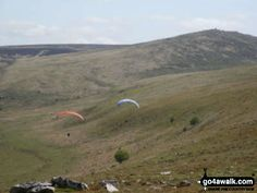 Walk Picture/View: Hang Gliders from Oke Tor in Dartmoor, Devon, England by Stephen Worth (24)