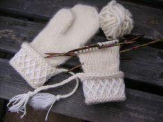 Mittens Pattern, Knit Mittens, Knitted Gloves, Knitting Charts, Knitting Patterns, Xmas Stockings, Knit Picks, Knitting Accessories, Yarn Crafts