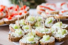 Caramel Apples, Sushi, Food And Drink, Homemade, Ethnic Recipes, Desserts, Tailgate Desserts, Deserts, Home Made