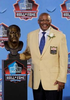 Floyd Little hall of fame and class act Denver Broncos Funny, Denver Broncos Womens, Denver Broncos Football, Broncos Fans, Nfl Hall Of Fame, Football Hall Of Fame, Floyd Little, Understanding Football, Fantasy Football