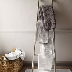 Nieve Bath Mat - Pearl Grey | The White Company