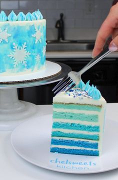 Snowflake Cake Recipe: The Perfect Winter Cake - Chelsweets This blue velvet cake recipe is incredibly moist, and is just as delicious as it is beautiful. Best Vanilla Layer Cake Recipe, Layer Cake Recipes, Blue Velvet Cakes, Blue Cakes, Cupcakes, Cupcake Cakes, Snowflake Cake, Snowflakes, Sweets