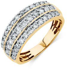 1 Carat TW Diamond Ring......beautiful wedding ring.....