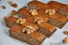 Healthy 3 Ingredient Walnut Cake - Perfect dessert for this weekend! Free Paleo Recipes, Low Carb Recipes, Sweet Recipes, Cooking Recipes, Healthy Deserts, Healthy Cake, Bread And Pastries, Desserts Sains, Walnut Cake