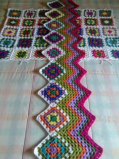 another clever way to begin an afghan....