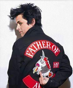 Emo Bands, Music Bands, Rock Bands, Freddie Mercury, Green Day Billie Joe, Hello Green, Billie Joe Armstrong, Punk, Funny Tattoos