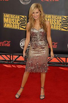 Ashley tisdale red carpet dresses - photo#13