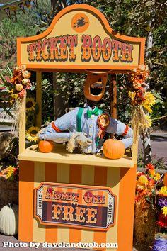 Disneyland for Halloween? Yes please!!
