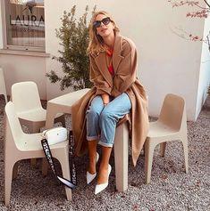 ac4f8370160f Le scarpe della Primavera 2019  Décolletées bianche e trendy come quelle di  Alessia Marcuzzi