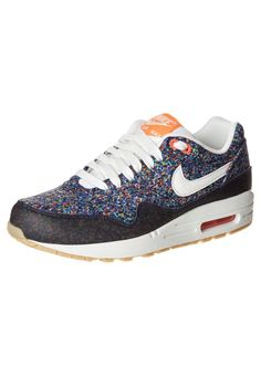 online retailer cd5f1 80e23 Dames Nike Air Max 1 Liberty colorful sneakers cushion sore fitted for  every foot absolutely comfortable