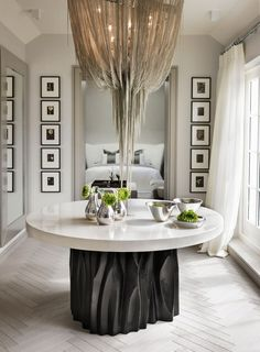 Top Interior Designers: Kelly Hoppen – One of the most successful artists in the industry, she is not afraid to think outside the box as she does not stick to what is trending but rather prefers to work on projects that really excite her.