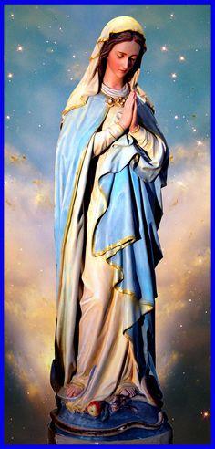 https://flic.kr/p/9RYheH | Our Blessed Virgin Mary | Très belle statue de la Vierge Marie située à l'ancienne église St. Brigit d'Ottawa, Ontario, Canada.
