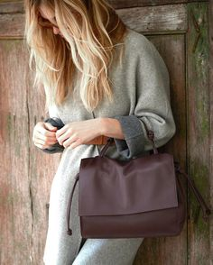 von Holzhausen bags and accessories. Design. Sustainability. Life. We sell directly to you.  We give back 10% to women's charities.