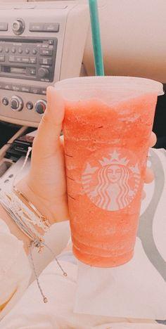 Bebidas Do Starbucks, Secret Starbucks Drinks, Starbucks Recipes, Starbucks Coffee, Aesthetic Coffee, Orange Aesthetic, Aesthetic Food, Simple Aesthetic, Yummy Drinks