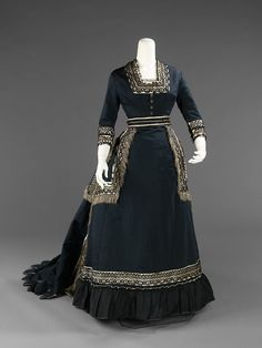 Mourning dress, 1872-74  From the METROPOLITAN MUSEUM OF ART