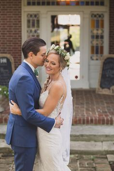 A wedding at Homestead Manor has such wonderful locations for Bride and Groom Photos.